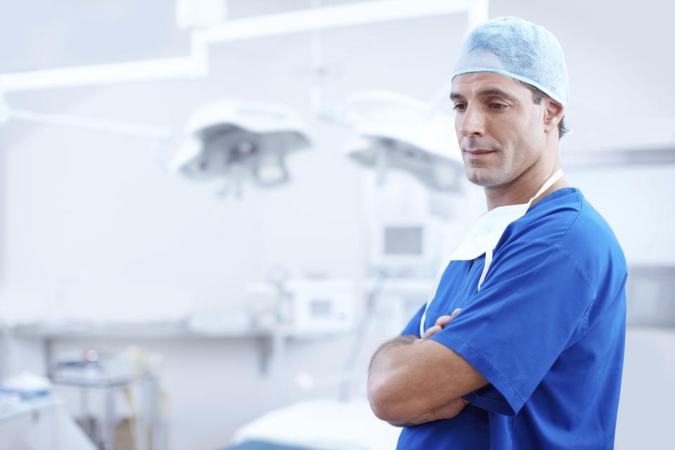 ¿tiene relación el burnout del medico con la historia clínica electrónica?