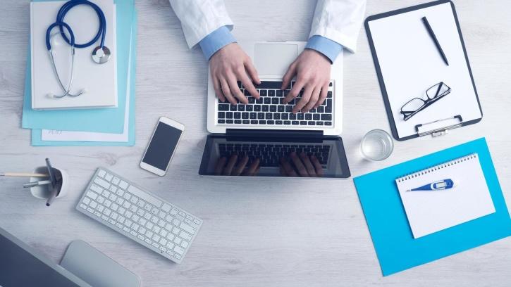 la innovación que aporta la tecnología de la Historia Clínica Electrónica no causa el retiro temprano de los médicos.