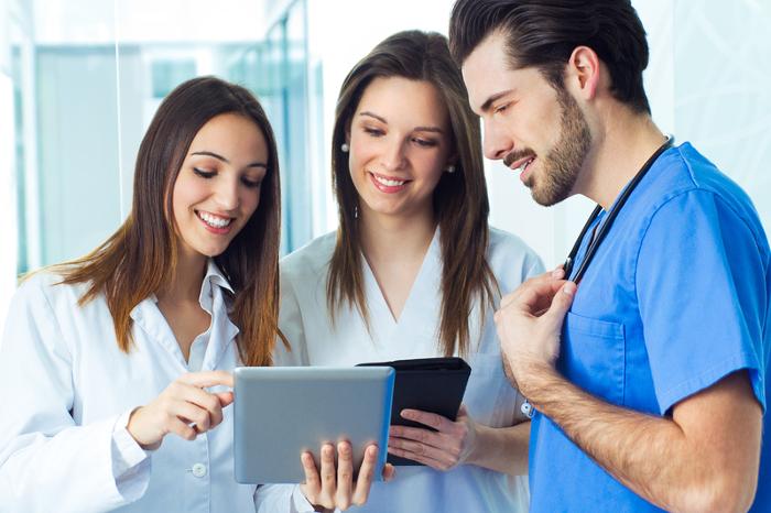 La gestión médica necesita de herramientas efectivas como el software para clínicas